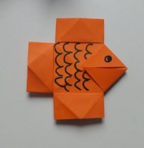Fingerspiel über einen Fisch