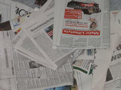 Zeitungsspiele alleine