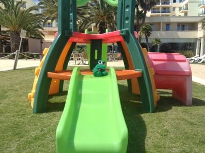 """Auf geht's zum Spielplatz!  <br /><span class=""""second""""> Yoga mit Kindern</span>"""