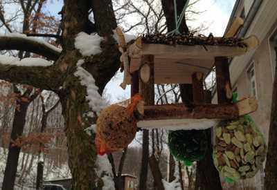 """Unser Vogelhaus  <br /><span class=""""second""""> Fingerspiel zum Thema Winter</span>"""