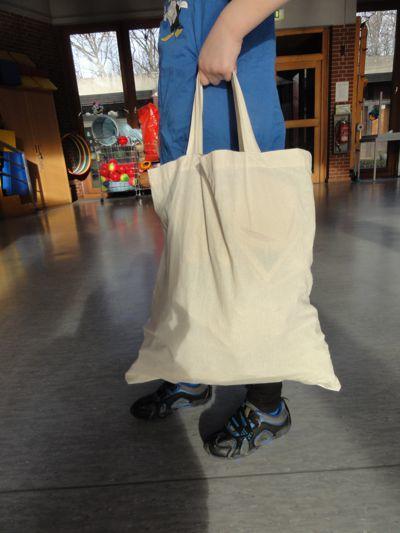 "Shopping Tour  <br /><span class=""second""> Bewegung und Spaß mit Alltagsmaterial</span>"