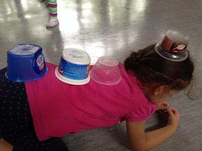 """Jogurtbecher im Sportunterricht  <br /><span class=""""second""""> Alltagsmaterial</span>"""