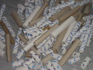 Papprollen beim Kinderturnen