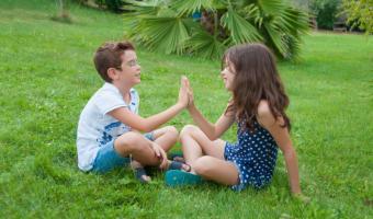Klatschspiel – Wir klatschen in die Hände</span>