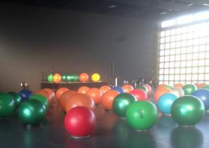 Ballspiel mit Kindern