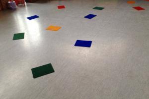 Bewegungsspiel Farben