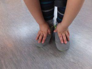 Körperteile wahrnehmen - Fahrstuhlspiel